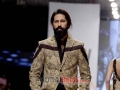 hsy-pakistan-fashion-week-2014-682x1024